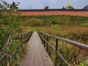 russia-suzdal-monastery-of-st -euthymius-bridge